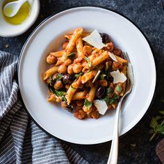 Spicy Tomato Kichererbse Pasta {glutenfrei, vegan Option}