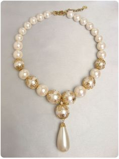 ホワイトパールのヴィンテージネックレス Christian Dior(クリスチャンディオール)