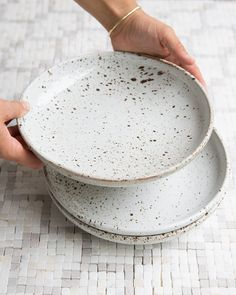 Love these ceramic salad bowls.