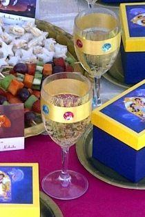 Plastic Wine Goblets with Jewels & Grape juice Aladdin Birthday Party, Aladdin Party, Birthday Party Themes, Jasmin Party, Princess Jasmine Party, Arabian Party, Arabian Nights Party, Festa Tema Arabian Nights, Aladdin Et Jasmine