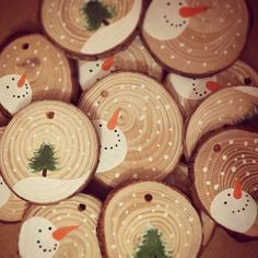 Personalised Christmas Decoration Baby's First Christmas Snowman Christmas Tree Rustic Christmas Hand Painted Wood Slice Gift Tag by keri Wood Ornaments, Diy Christmas Ornaments, Christmas Tree Decorations, Christmas Snowman, Santa Ornaments, Homemade Christmas, Rustic Christmas, Babies First Christmas, Christmas Holidays