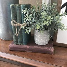 3 Simple and Creative Ideas Can Change Your Life: Vintage Home Decor Mid Century Midcentury Modern modern vintage home decor interior design.Modern Vintage Home Decor Wall Colours vintage home decor retro spaces.Vintage Home Decor Inspiration Texture. Country Decor, Rustic Decor, Farmhouse Decor, Country Farmhouse, Farmhouse Office, French Country, Vintage Farmhouse, Modern Farmhouse, Greenery Decor