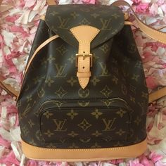 Louis Vuitton Monogram Montsouris MM Backpack 99%new,never  used,discontinued e6f8940602b9f