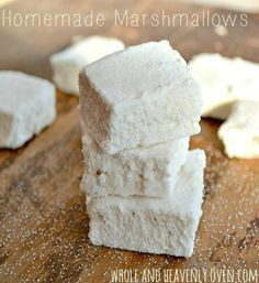 Homemade Marshmallows (gluten-free and refined sugar-free) These marshmallows are as soft as clouds and taste even better than store-bought! wholeandheavenlyo...