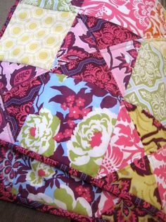 The Royal Family Heirloom Quilt is a lovely pattern for a quilted sofa throw if you have a floral jelly roll quilt pattern made of bold reds, deep purples, and buttercup yellows. Jelly Roll Quilt Patterns, Quilt Block Patterns, Quilt Blocks, Jellyroll Quilts, Lap Quilts, Quilting Projects, Quilting Designs, Sewing Projects, Watercolor Quilt