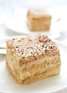 Cappuccino Icebox Cake - easy, no bake, low-fat cake; only 6 ingredients; graham crackers softened with airy cream-yogurt-cappuccino filling - by kitchennostalgia.com