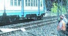 Non è ancora stata identificata la vittima di una tragedia occorsa nel primo pomeriggio di oggi vicino alla stazione    http://tuttacronaca.wordpress.com/2013/08/29/morte-sulle-rotaie-suicidio-o-fatalita/