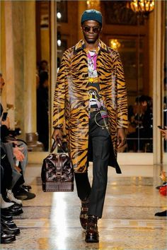 Versace | Fall 2018 | Men's Collection | Runway Show #MensFashion2018
