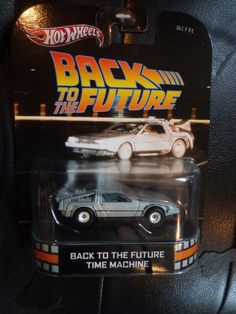 Hot Wheels Retro Entertainment C  Back to the future Time machine Delorean 1:64