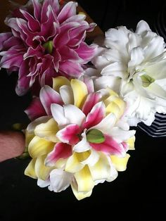 .Glamelias - bouquets made from the petals of many flowers #glamelia #compositebouquets