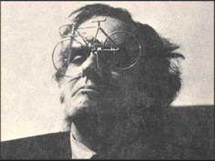 """Tiago Bettencourt*- """"Poema de desamor"""" do disco """"Tiago na toca e os Poet..."""