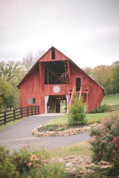 RED BARN~Southall barn in Franklin, TN