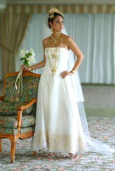 wedding dress with Pollera influences