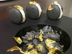 Macaron neri e baccalà mantecato. Di Daniele Zennaro