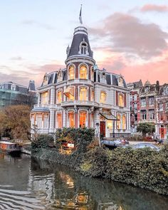 Amsterdam vibes - via Hotels and Resorts on : Amazing Destinations - International Tips - Dream - Exotic Tropical Tourist Spots - Adventure Travel Ideas - Luxury and Beautiful Resorts Pictures by Vacation Days, Vacation Resorts, Hotels And Resorts, Luxury Hotels, Dream Vacations, Imperial Dreams, Beautiful Homes, Beautiful Places, Amsterdam Photos