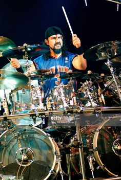 PARK Photo of Mike PORTNOY and DREAM THEATER, Mike Portnoy performing live onstage