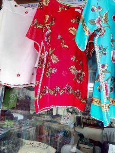 Elbise Kaftan Pattern, Crochet Jacket, Boho Fashion, Womens Fashion, Crochet Bikini, Diy And Crafts, Floral Tops, Applique, Summer Outfits