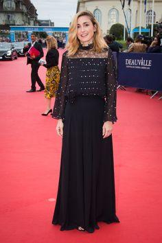 Julie Gayet en robe Elie Saab de la collection automne-hiver 2016-2017