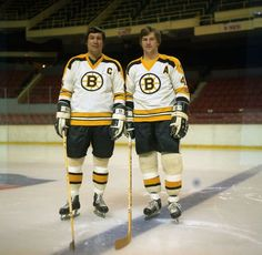 John and Bobby Hockey Games, Ice Hockey, Bobby Orr, Boston Bruins Hockey, Sports Magazine, Boston Strong, Boston Sports, Nfl Fans, National Hockey League