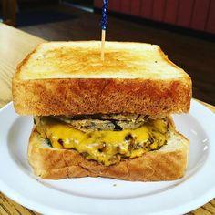 Steakhouse #burger @laidbackburgershack in Florence. #EatMississippi #burgerlove