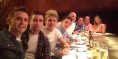 Niall with family and friends in Mebourne!