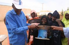 In Mauritania, fuel-efficient stoves help households from chopping down too many trees.  Preventing further soil erosion is important for the country which is still recovering from the 2012 Sahel drought.  Photo: Alain Olive, PNUD Mauritanie