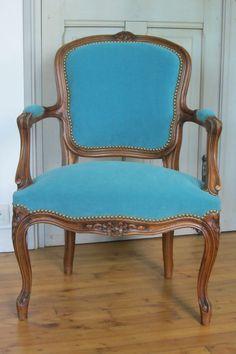 Fauteuil on pinterest vintage turquoise painted - Fauteuil turquoise contemporain ...