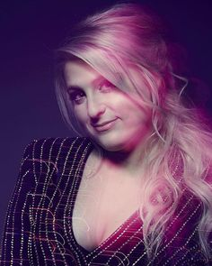 Meghan Trainor in the photo booth backstage at #PCAs 2016! : @gettyentertainment @smallzphoto @raskindphoto