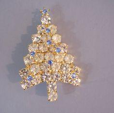 Attruia Christmas tree brooch clear pastel blue