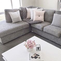 @megcaris showing us all how to style a beautiful lounge space - seriously loving this colour palette !