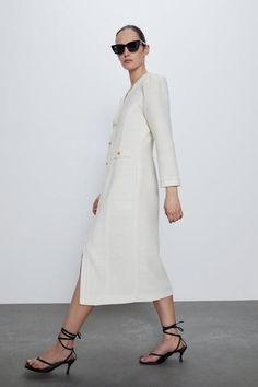 Shop the 25 new Zara items that are about to be in the wardrobes of New Yorkers everywhere this spring. Frilly Dresses, Zara Dresses, V Neck Dress, Shirt Dress, Vestidos Zara, Girl Closet, Poplin Dress, New York Style, Tweed Dress