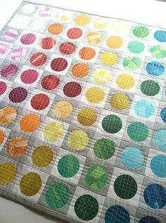 """The quilting here is just fantastic! """"Circular Edges Mini Quilt"""" by Faith of Fresh Lemons."""