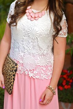 Floral Who Wander Top    The Mint Julep Boutique https://www.shopthemint.com/products/floral-who-wander-top-white