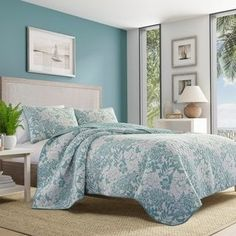 Tommy Bahama Home Laguna Beach Reversible Quilt Set Size: King Quilt + 2 Shams Laguna Beach, Blue Laguna, Tommy Bahama, King Quilt Sets, Queen Quilt, Beach Quilt, Beach House Decor, Home Decor, Bed Sets