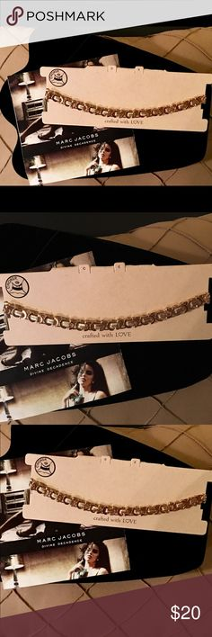 Ladies Jewelry Choker NWT Trending Gold Chain Choker with Delicate Gold Chain Design and Gold Accent Pieces. Finished with an Adjustable Chain and Clasp Closure. Jewelry Necklaces