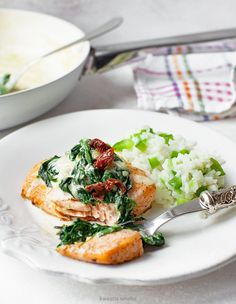 Łosoś ze szpinakiem Baked Salmon, Fish And Seafood, Salmon Burgers, Risotto, Spinach, Food To Make, Healthy Recipes, Healthy Food, Food And Drink
