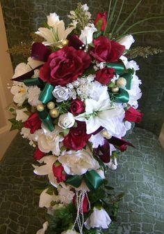 Wedding In 2013 Christmas, Christmas Wedding Flowers #2013 #christmas #wedding #ideas www.loveitsomuch.com
