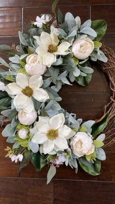 Diy Fall Wreath, Summer Wreath, Holiday Wreaths, Winter Wreaths, Spring Wreaths, Front Door Christmas Decorations, Peonies And Hydrangeas, Magnolia Wreath, Grapevine Wreath