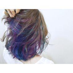 """この画像は「""""インナーカラー""""って実際どうオーダーしたらいいの?オーダーしたくなるお洒落なカタログをご紹介♪」のまとめの18枚目の画像です。 Messy Hairstyles, Pretty Hairstyles, Medium Hair Styles, Curly Hair Styles, Peekaboo Hair, Corte Y Color, Dye My Hair, Pastel Hair, Cool Hair Color"""