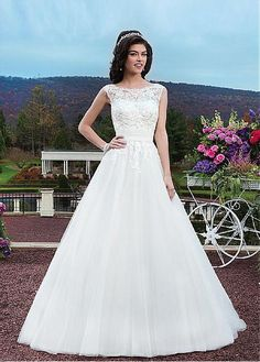 ALLURING TULLE ORGANZA BALL GOWN JEWEL NECKLINE NATURAL WAISTLINE WEDDING DRESS IVORY WHITE LACE BRIDAL GOWN
