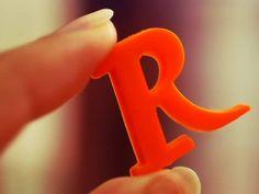 Alphabet R in red Paris Wallpaper, Islamic Wallpaper, Love Wallpaper, Picture Letters, Name Letters, Letters And Numbers, Alphabet Letters, Lettering Design, Hand Lettering
