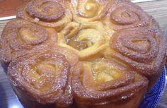 Un clásico de la pastelería argentina, tradicional torta de los 80 golpes es deliciosa y fácil de hacer, aunque requiere mucha energía. Muffin, Tortilla, Cookies, Chocolate, Breakfast, Food, Gastronomia, Bag, Fried Apples