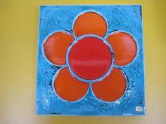 Zweeds design rörstrand retro tegel olle alberius kalvakad nr. 12 Rörstrand studio plaquettes van olle alberius. Het betreft een grote en zware keramische plaat met een abstracte oranje rood