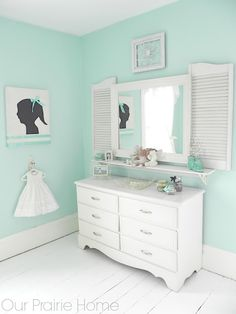 House of Turquoise: Our Prairie Home ~ shutters around the mirror Mint Rooms, Green Rooms, House Of Turquoise, Dream Bedroom, Girls Bedroom, Bedroom Decor, Bedrooms, My New Room, My Room