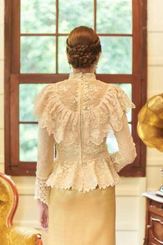 Items similar to Pikulraht Thai shirt stly( only shirt) on Etsy Kebaya Modern Hijab, Kebaya Hijab, Kebaya Brokat, Kebaya Dress, Hourglass Style, Hourglass Fashion, Brocade Dresses, Lace Dress, Camisa Vintage