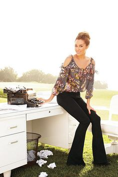Fashion Blogger Contest... Click the photo to enter + vote! Presented by LC Lauren Conrad for Kohl's