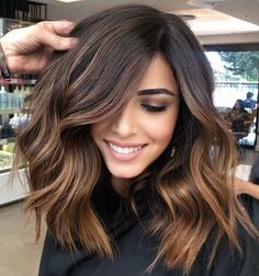 Hot Hair Colors, Hair Color Dark, Brown Hair Colors, Best Brunette Hair Color, Medium Brown Hair Color, Balayage Brunette, Chocolate Caramel Hair, Hair Color Caramel, Short Caramel Hair