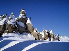 File:Hoodoos on Bylot Island, Nunavut.JPG