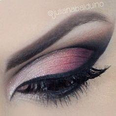 Plum smokey eyeshadow