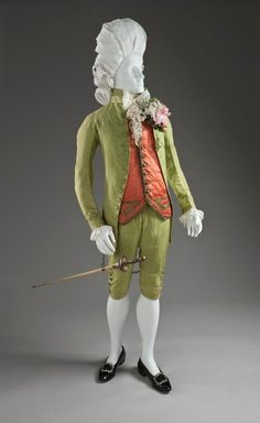 Man's Three-piece Suit Italy, probably Venice, circa Costumes; ensembles Silk a) Coat center back length: 35 in. b) Waistcoat center back length: 23 in. c) Breeches length: 24 in. 18th Century Clothing, 18th Century Fashion, Historical Costume, Historical Clothing, Vintage Outfits, Vintage Fashion, Luis Xvi, Rococo Fashion, 18th Century Costume